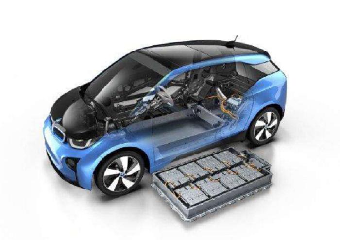 年轻人适合将电动汽车作为人生第一辆车吗?