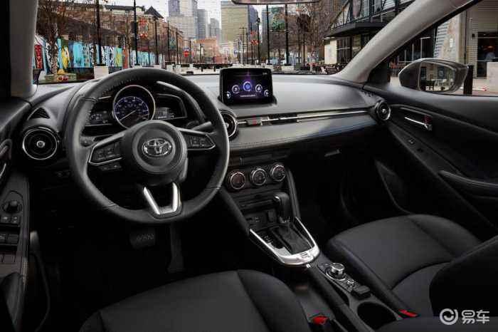 """戏称""""小凯美瑞""""的经典家轿即将换代 或将中国市场首发"""