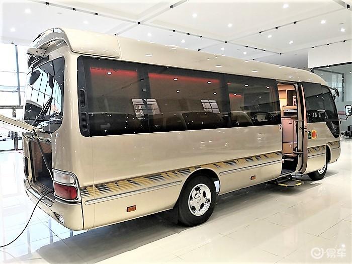 丰田考斯特12座普拉多版内饰配置地板隔断多少钱