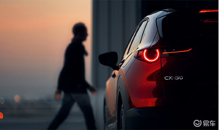 看这背影,马自达CX-30,这车是何方神圣?