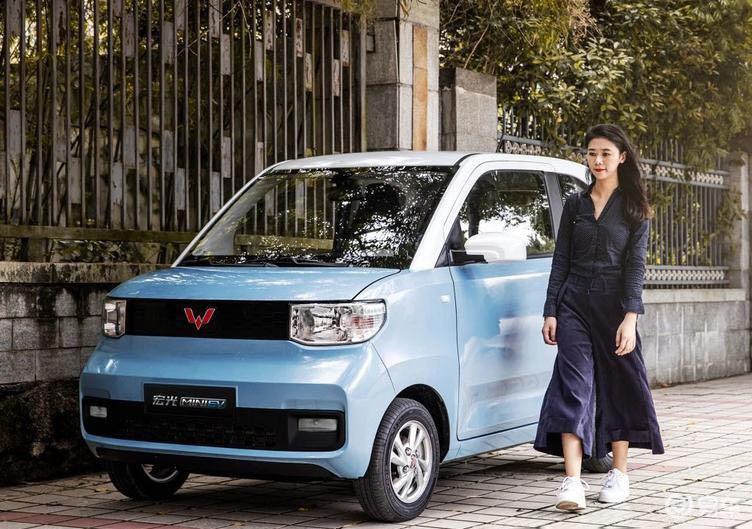 宏光MINI EV小神车将上市,亲民实用值得消费者关注