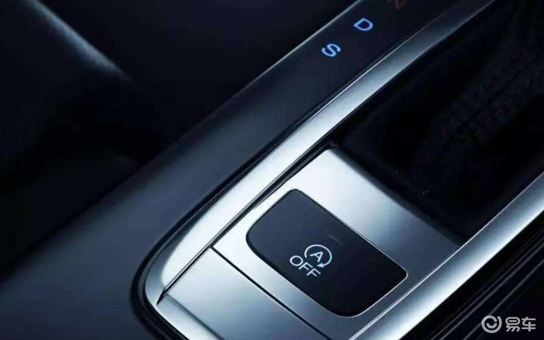 汽车上实体按键那么多,有哪些是不能随便使用的?