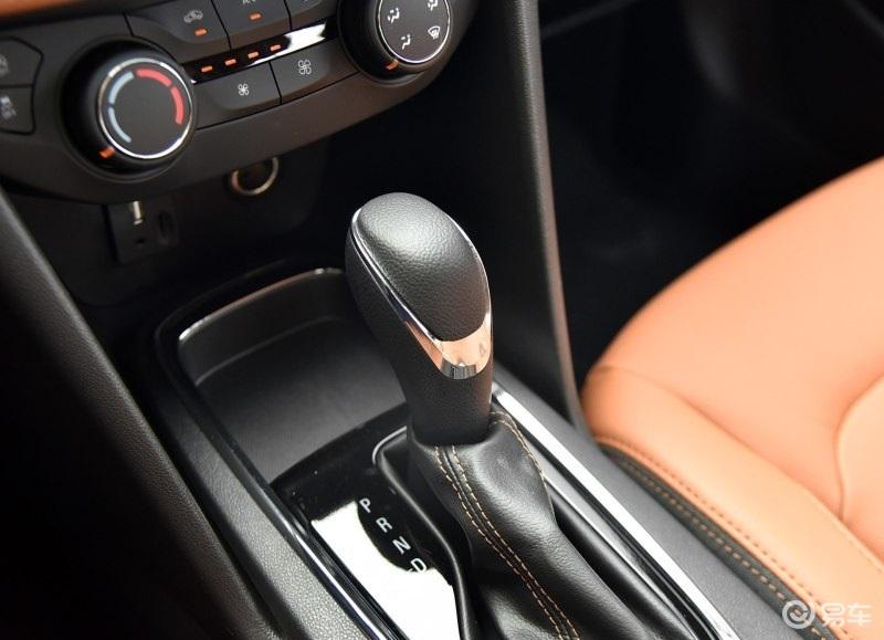 车长超5米的豪华C级车即将换代 现款优惠7万值得抄底吗?