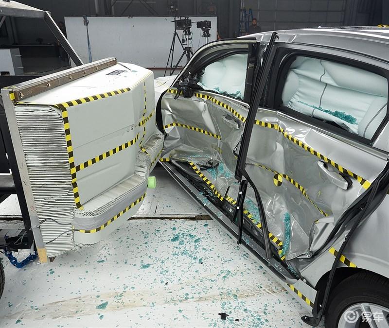S90碰撞测试结果曝光,旗舰级轿车果然名不虚传!