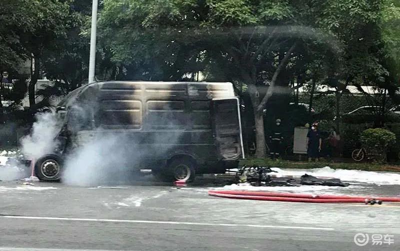 依维柯电动版深圳街头自燃,电动车真经不起夏季高温考验吗?