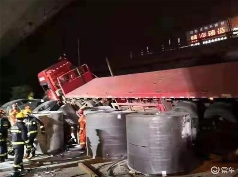 超载120余吨致无锡高架桥垮塌,超载究竟多可怕?