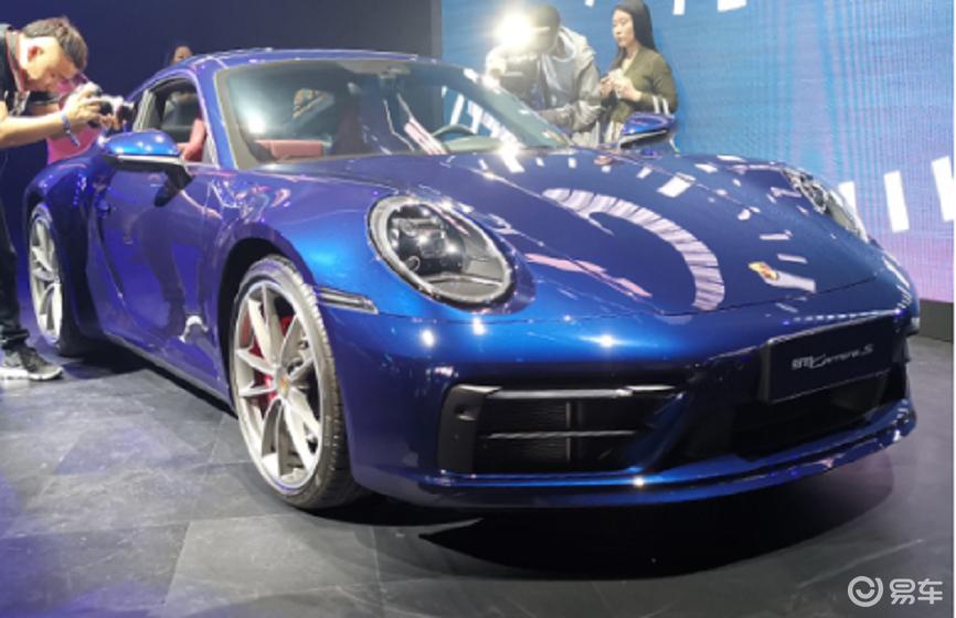 新保时捷911正式上市,历久、恒新还是男人心中的理想跑车
