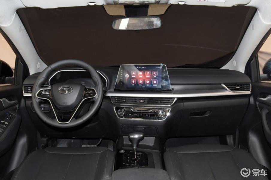 全景天窗+两块大屏 这款针对年轻人的SUV顶配不到10万